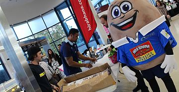 New World Vic Park Potato give away competition with Jerome Kaino